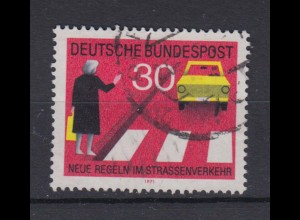 Bund 673 I Plattenfehler Neue Regeln im Starßenverkehr (II) 30 Pf gestempelt /1