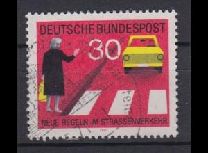 Bund 673 I mit Plattenfehler Neue Regeln im Starßenverkehr 30 Pf gestempelt /3
