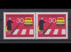 Bund 673 I mit Plf. waagerechtes Paar Neue Regeln im Straßenverkehr (II) 30 Pf