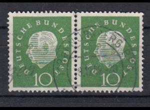 Bund 303 waagerechtes Paar Bundespräsident Heuss (III) 10 Pf gestempelt /7