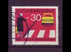 Bund 673 I mit Plattenf. Neue Regeln im Starßenverkehr (II) 30 Pf gestempelt /2