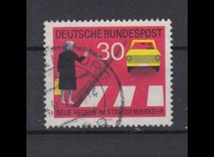 Bund 673 I mit Plattenfehler Neue Regeln im Starßenverkehr 30 Pf gestempelt /4