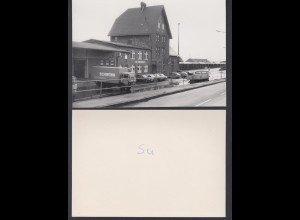 Foto hochglanz Bahnhof Siershahn Vorderseite mit LKW Kaufhaus Schwinn